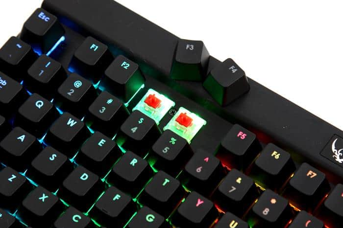 Corsair K70 vs  Razer BlackWidow - Which One is Right For